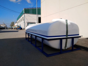 6,000 L tank with frame