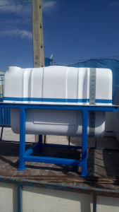 800 L tank with frame