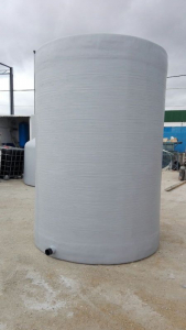 Vertical tank with flat bottom and flat lid