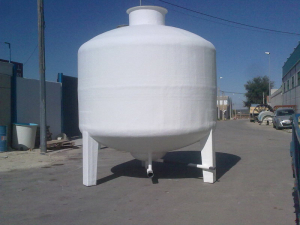 16,000 L cylindrical tank with legs