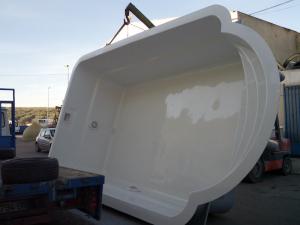Piscina blanca de 6 x 3 m