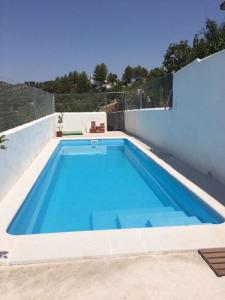 8 x 2.8 m installed pool